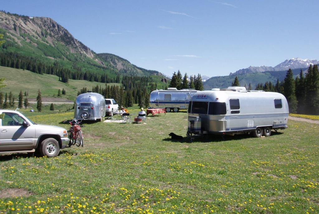 3 Airstreams 7 bikes one Lab at Lizard Head