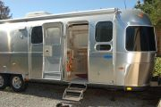 2004 Classic Slide Out 30' FOR SALE