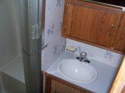 94 25' Excella Twin Bed Bathroom