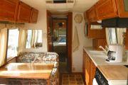 kitchen_booth