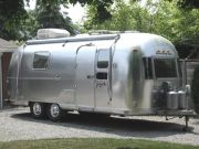 1973 Airstream Safari 23'
