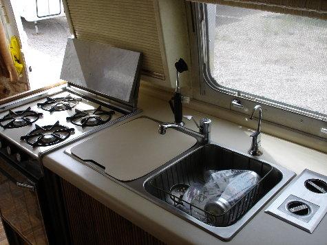 1979 Excella 500 kitchen