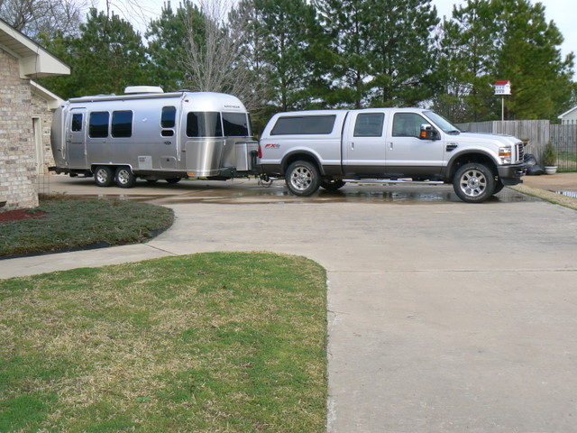 Click image for larger version  Name:clean airstream and truck.JPG Views:60 Size:125.8 KB ID:100534