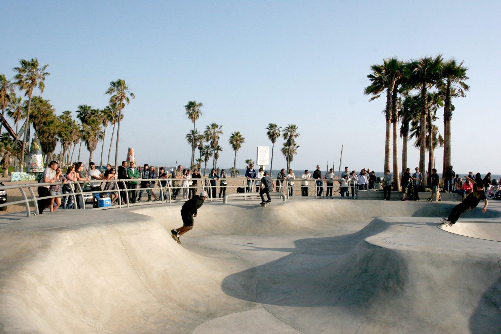 Click image for larger version  Name:IMG_0711 skateboard rink.jpg Views:56 Size:256.4 KB ID:100657
