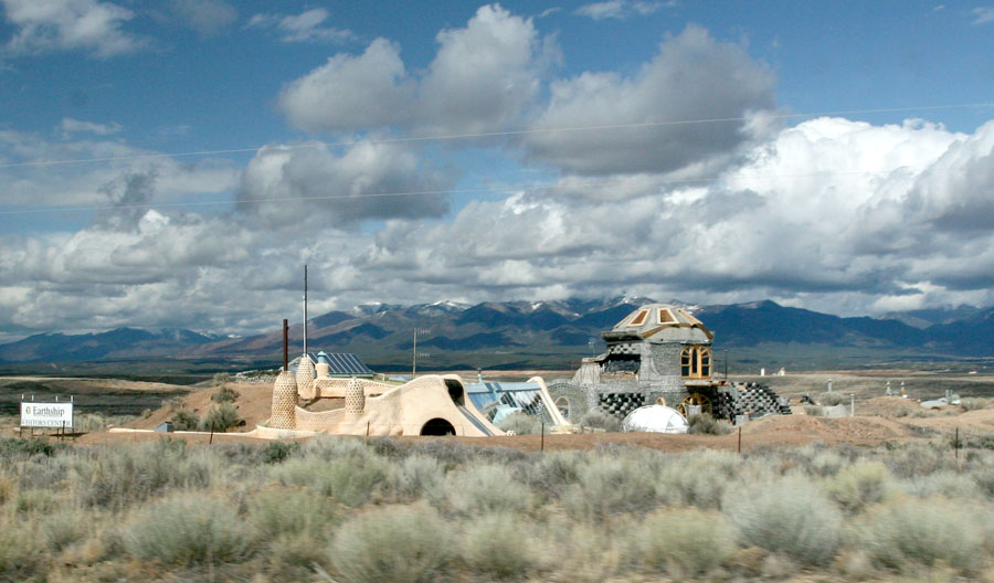 Click image for larger version  Name:IMG_0952 earthship-s.jpg Views:69 Size:127.3 KB ID:100681