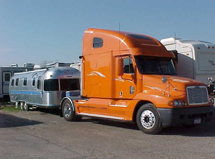 Click image for larger version  Name:1998 Freightliner.jpg Views:74 Size:45.1 KB ID:100744