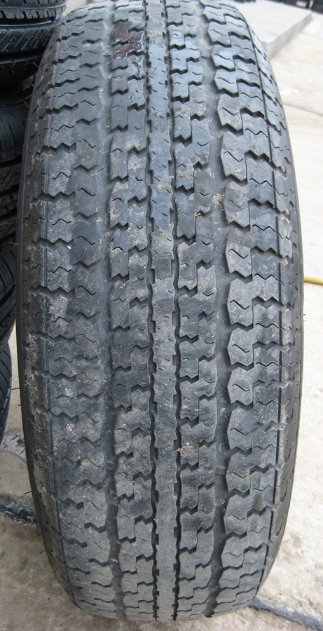 Click image for larger version  Name:old_tire.jpg Views:49 Size:436.3 KB ID:101232