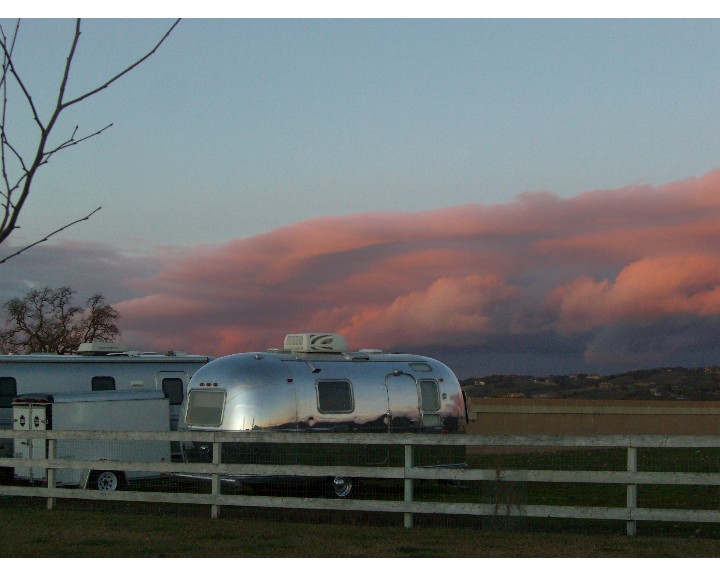 Click image for larger version  Name:Airstream Sunset resized.JPG Views:58 Size:96.9 KB ID:102532