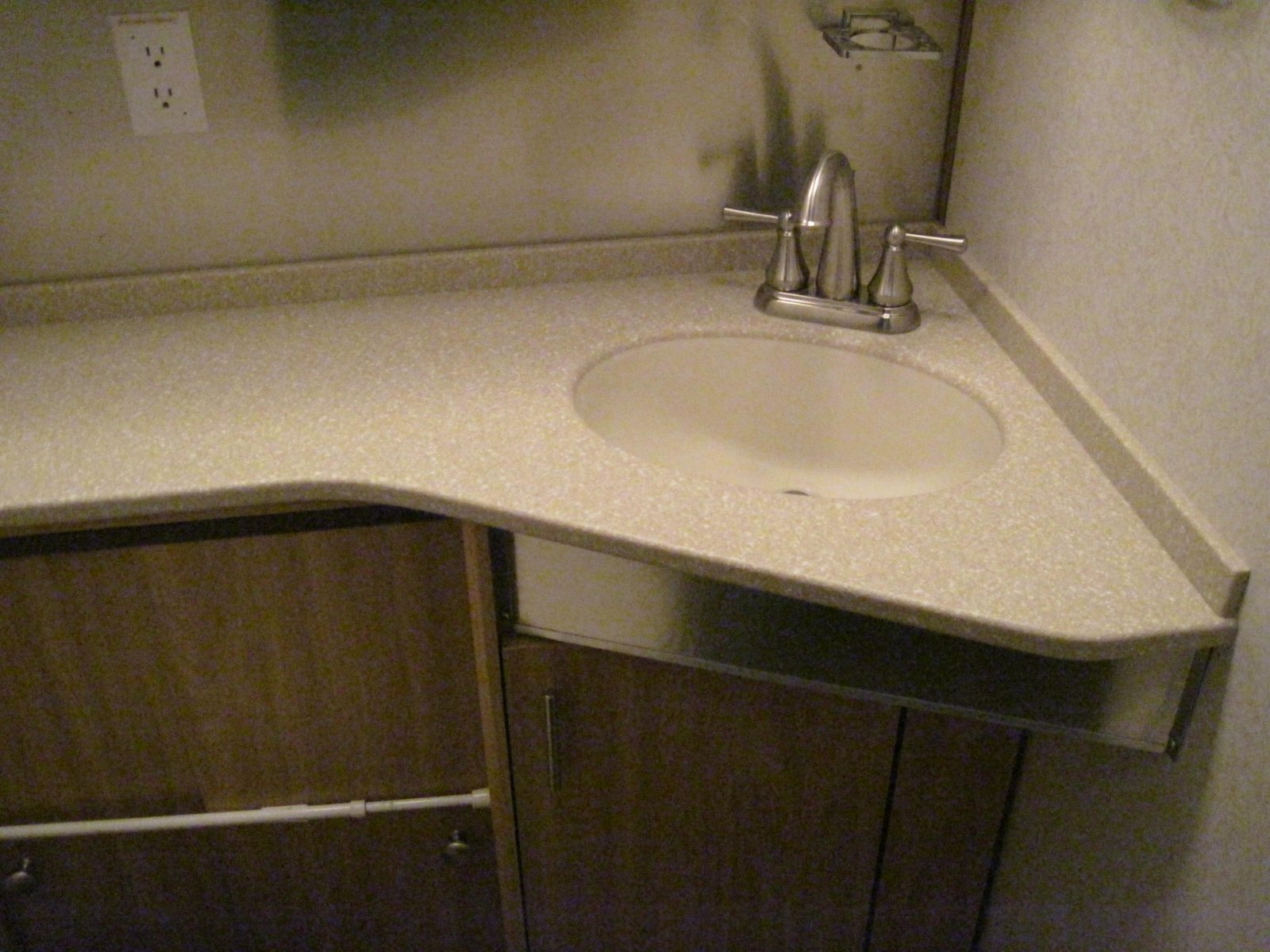 Click image for larger version  Name:NewBathroom.jpg Views:113 Size:295.4 KB ID:102580