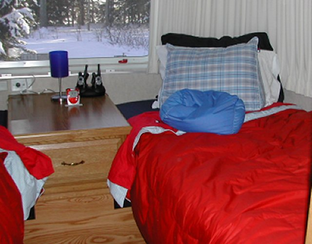Click image for larger version  Name:bedcovers.jpg Views:100 Size:53.3 KB ID:10271