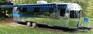Click image for larger version  Name:curbside finished with awning deployed cropped.jpg Views:108 Size:40.6 KB ID:102862