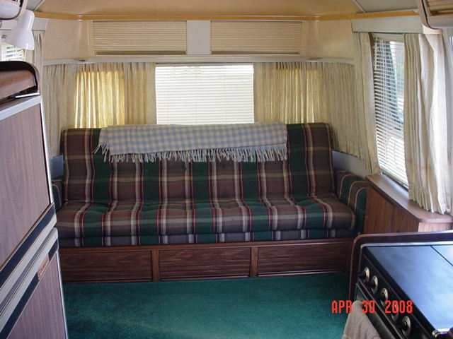 Click image for larger version  Name:1976 Airstream 010.jpg Views:73 Size:62.6 KB ID:103689