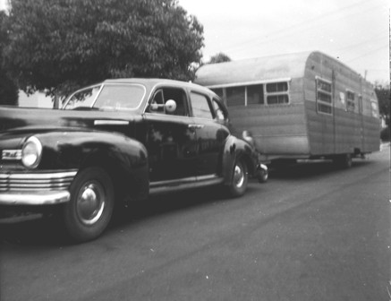 Click image for larger version  Name:1952... car & trailer.jpg Views:63 Size:28.8 KB ID:103690