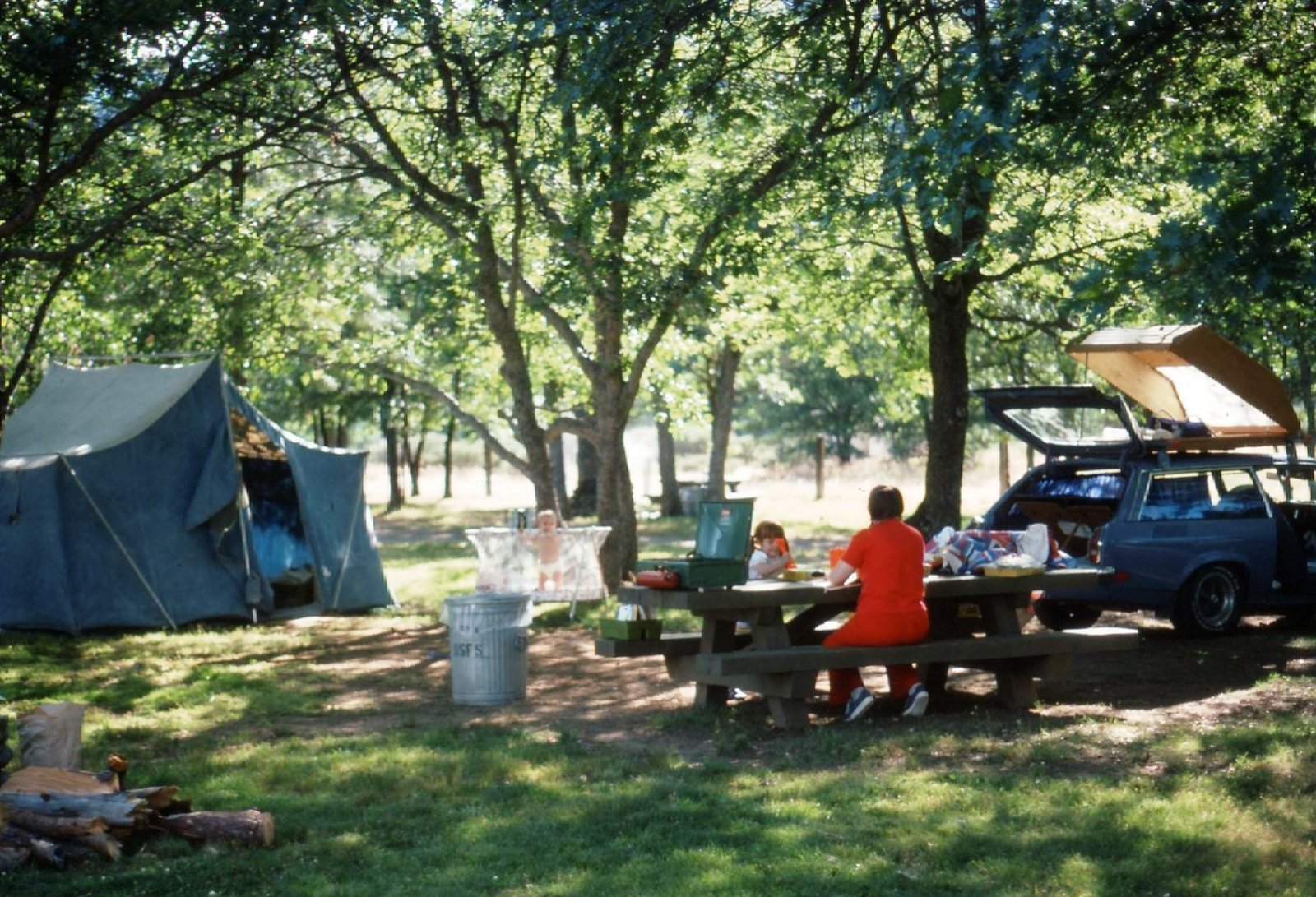 Click image for larger version  Name:family camping.jpg Views:62 Size:397.2 KB ID:103694