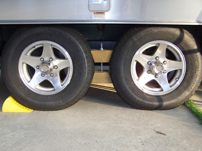 Click image for larger version  Name:New Tires.JPG Views:98 Size:113.5 KB ID:103771