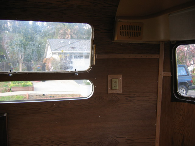 Click image for larger version  Name:2-12-05 airstream progress 018.jpg Views:138 Size:84.8 KB ID:10395