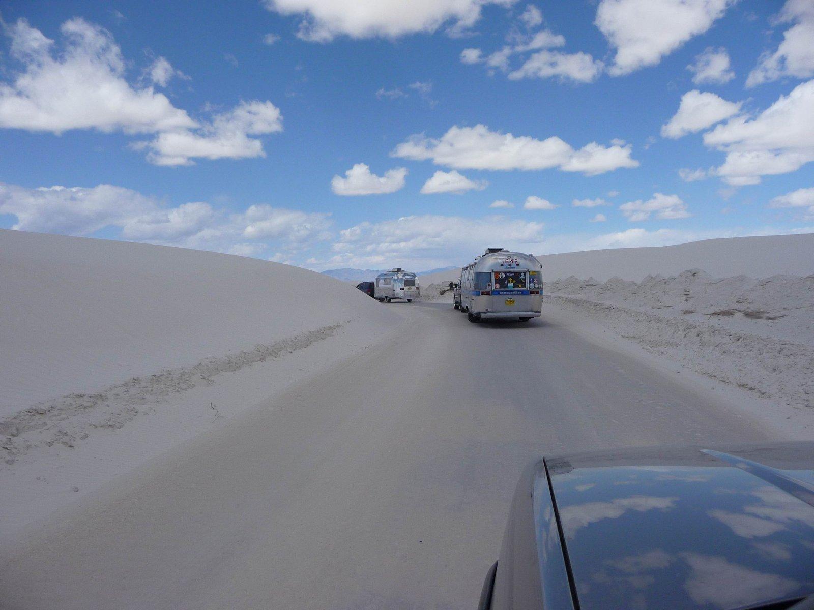 Click image for larger version  Name:White Sands Caravan 1.jpg Views:93 Size:190.8 KB ID:104062