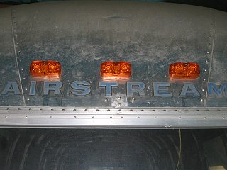 Click image for larger version  Name:0605 new front marker lights 01.JPG Views:233 Size:88.5 KB ID:104413