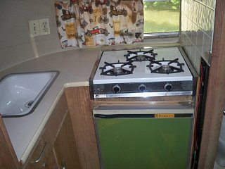 Click image for larger version  Name:63 Bambi fridge.jpg Views:119 Size:114.3 KB ID:104699