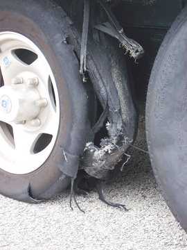 Click image for larger version  Name:tire_blow1.jpg Views:92 Size:67.8 KB ID:10472