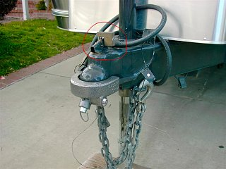 Click image for larger version  Name:coupler_with_locks.jpg Views:114 Size:190.7 KB ID:105342