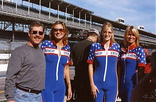 Click image for larger version  Name:Phil w grid girls.jpg Views:103 Size:67.4 KB ID:10603