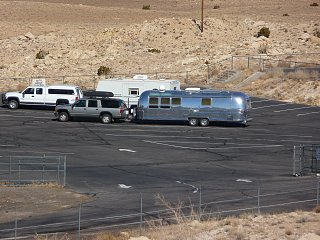 Click image for larger version  Name:AS Dead Horse Rally 2010 AZ Meteor Crater Parking Lot.jpg Views:92 Size:417.4 KB ID:106413