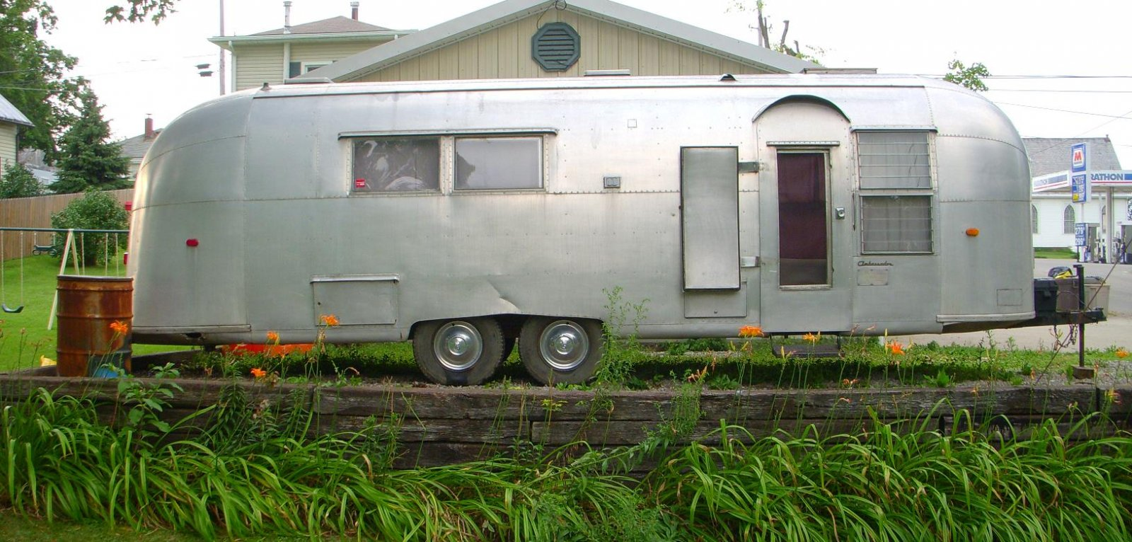 Click image for larger version  Name:1961 Airstream Ambassador Twin.jpg Views:239 Size:262.2 KB ID:107795