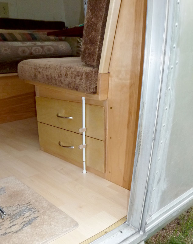 Click image for larger version</p><br /> <p>Name:	P1000386 door drawers-s.jpg<br /><br /> Views:	67<br /><br /> Size:	114.4 KB<br /><br /> ID:	107890