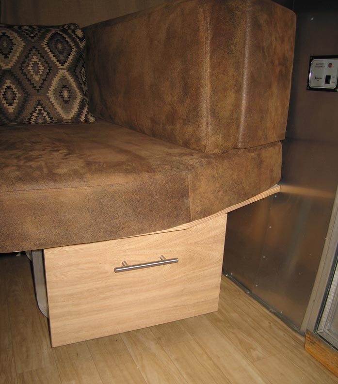 Click image for larger version  Name:Drawer Handle_02_Sm.jpg Views:143 Size:97.0 KB ID:107943