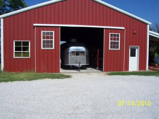 Click image for larger version  Name:barn shop.jpg Views:79 Size:58.5 KB ID:107960
