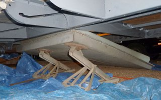 Click image for larger version  Name:P1000407 lifting tank-s.jpg Views:134 Size:144.8 KB ID:108121