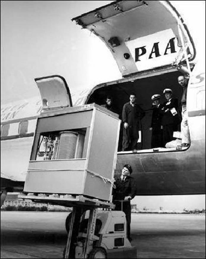 Click image for larger version  Name:1956 IBM Hard Drive.jpg Views:52 Size:191.3 KB ID:108397