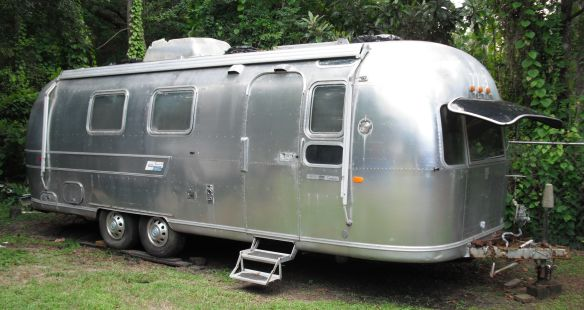 Click image for larger version  Name:1974 Airstream.jpg Views:47 Size:45.2 KB ID:109111
