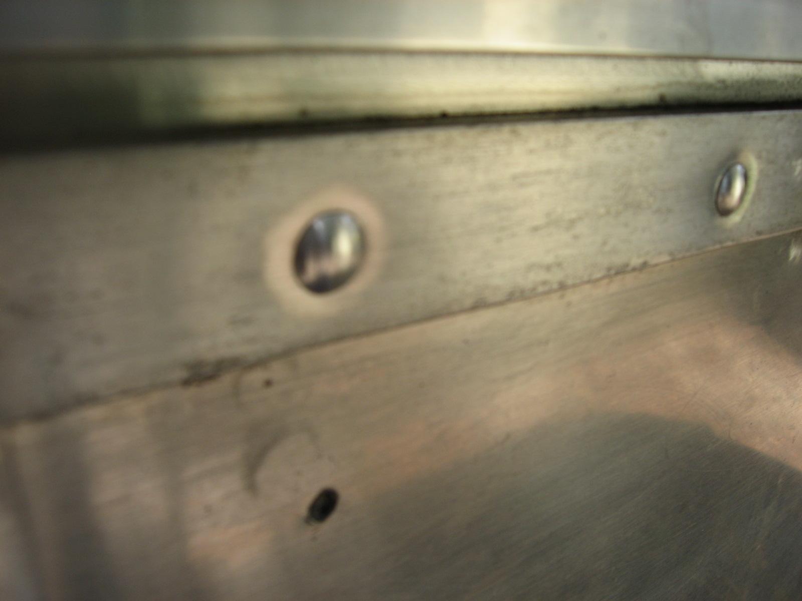 Click image for larger version  Name:Airstream rivet polish 013.jpg Views:167 Size:314.3 KB ID:109193