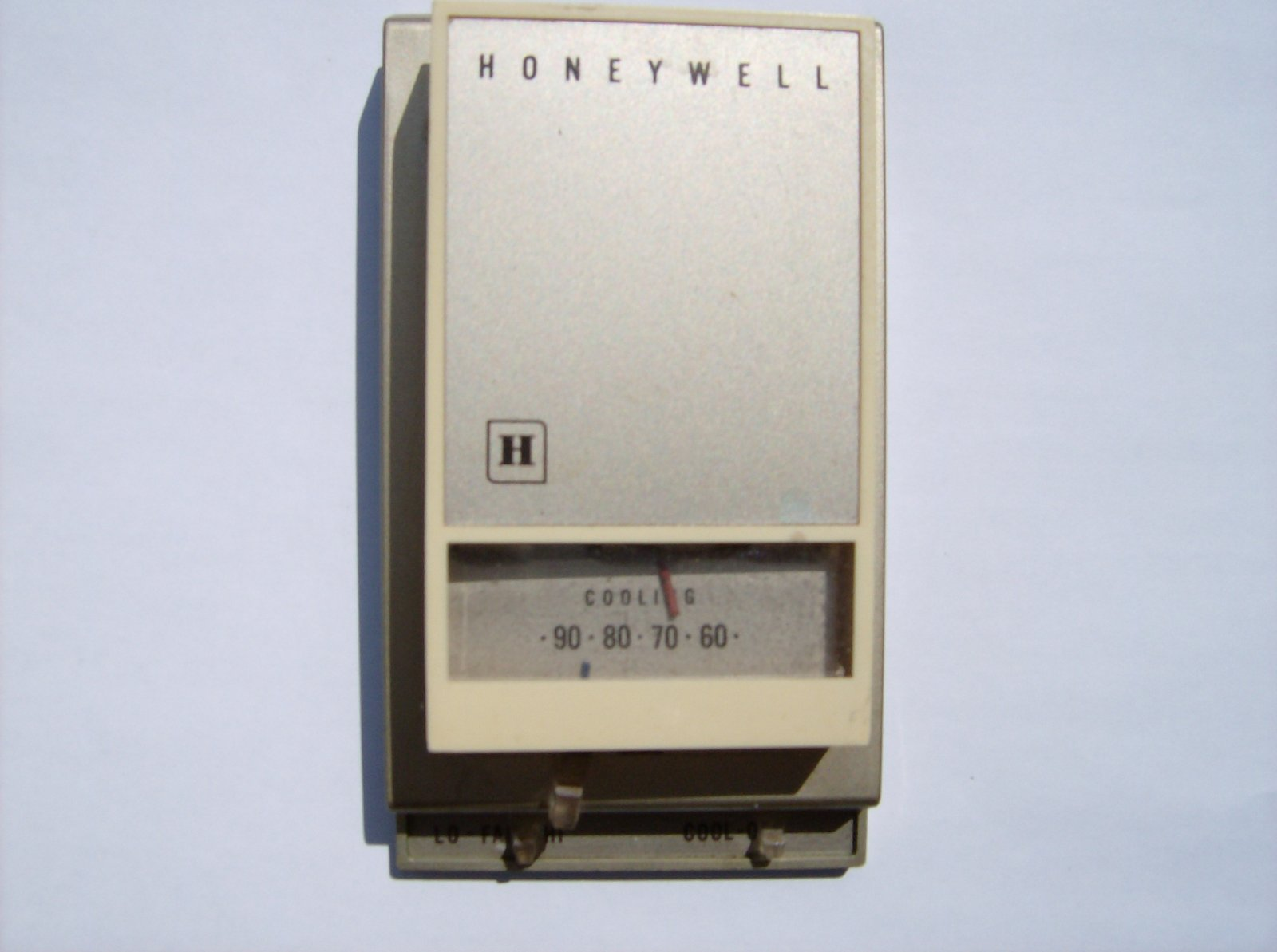 Click image for larger version  Name:Air Con Tstat 004.jpg Views:178 Size:133.9 KB ID:109335