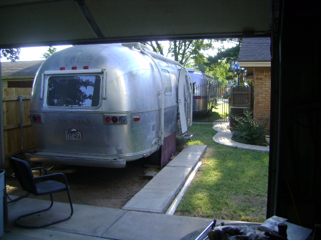 Click image for larger version  Name:airstream alley.jpg Views:57 Size:142.6 KB ID:109346