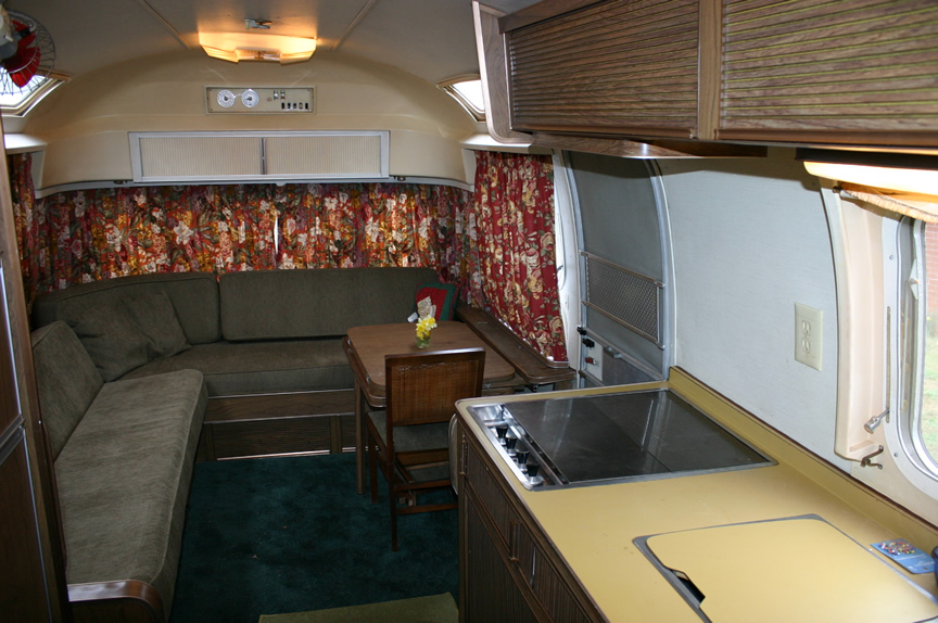 Click image for larger version  Name:Airstream-inside1.jpg Views:75 Size:211.6 KB ID:109421