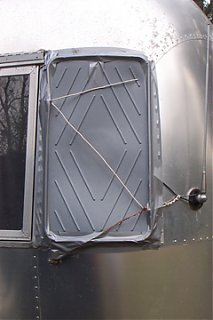 Click image for larger version  Name:Boot wing window.jpg Views:104 Size:71.9 KB ID:10956