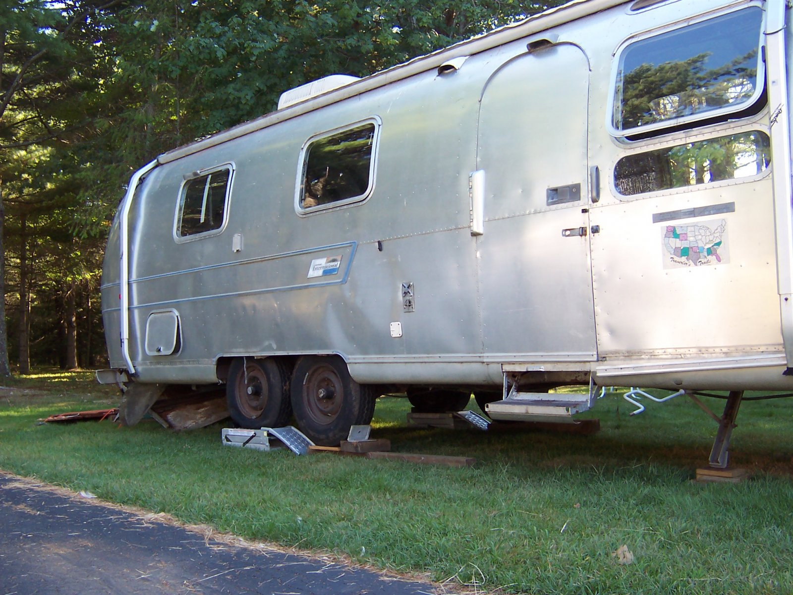 Click image for larger version  Name:Summer 2010 Airstream 001.jpg Views:97 Size:379.6 KB ID:109673