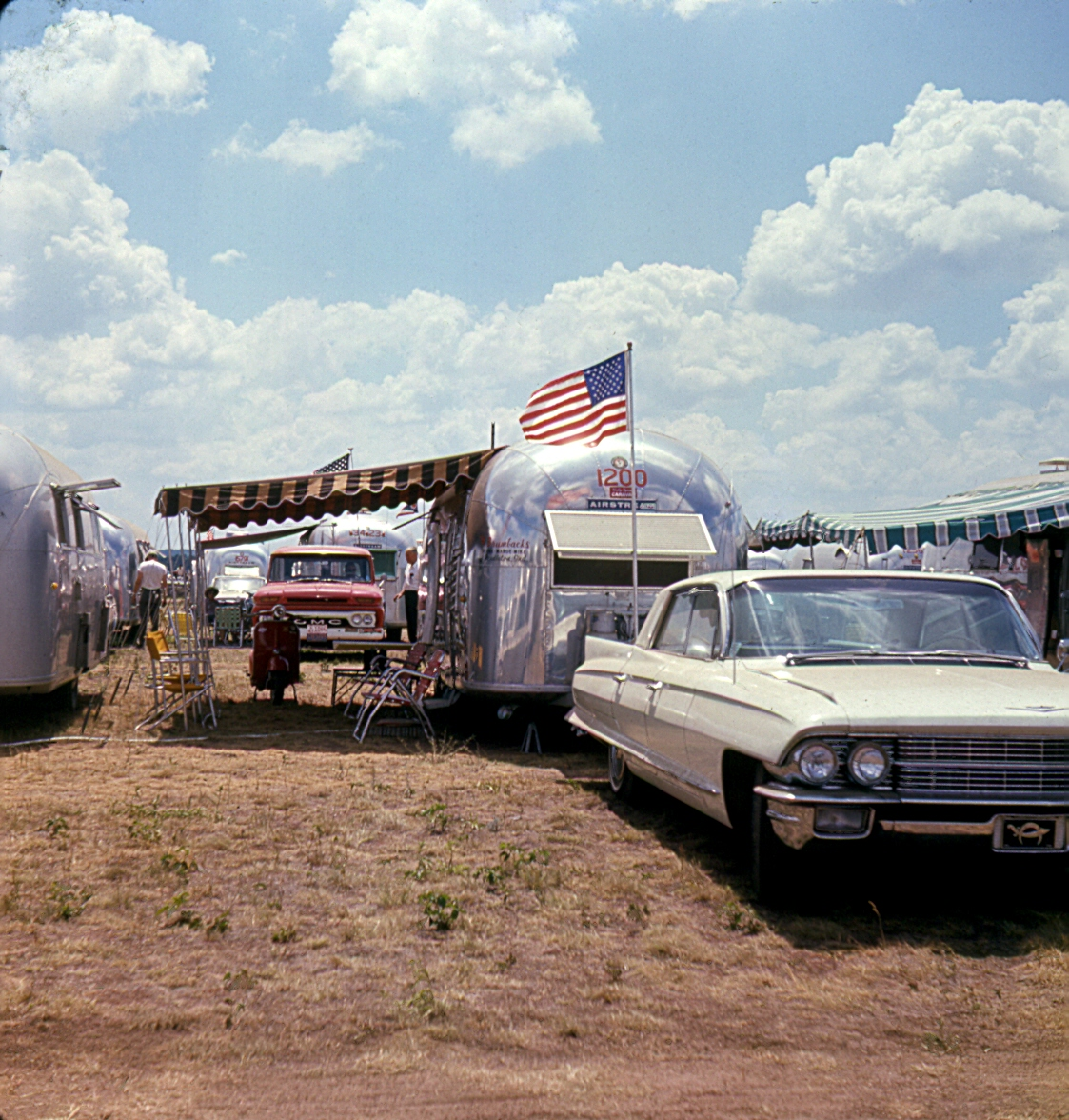 Click image for larger version  Name:64 Caddy.jpg Views:186 Size:704.3 KB ID:110169