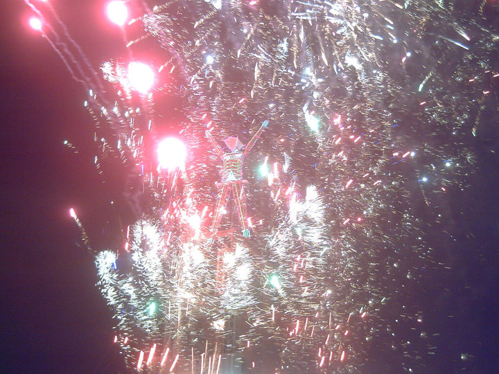 Click image for larger version  Name:fireworks at the man burn.jpg Views:76 Size:145.0 KB ID:110275