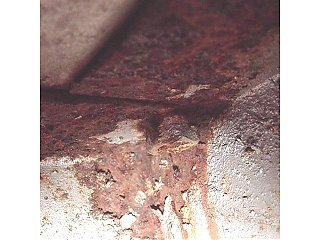 Click image for larger version  Name:Floor Bolt from Underside.jpg Views:230 Size:44.4 KB ID:11039