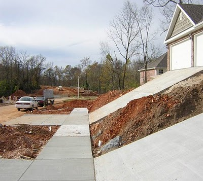 Click image for larger version  Name:steep driveway.jpg Views:70 Size:47.0 KB ID:110713