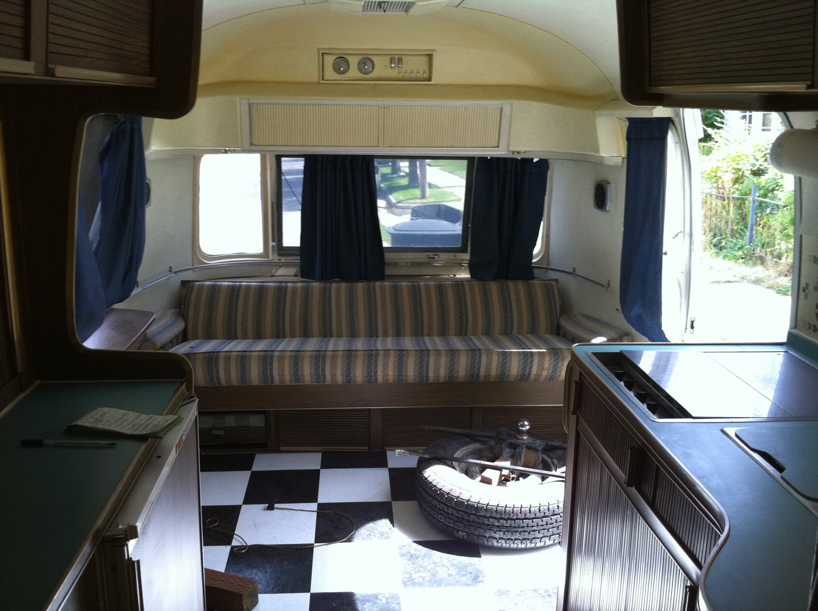 Click image for larger version  Name:airstream 010.jpg Views:87 Size:296.2 KB ID:110807
