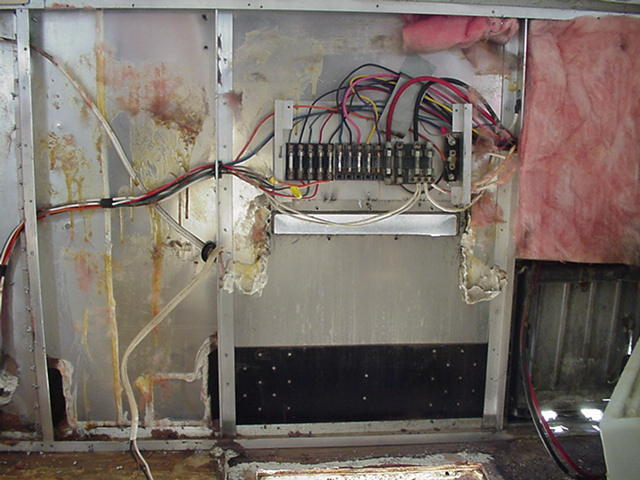 Click image for larger version  Name:Iron Plate & Fusebox.JPG Views:163 Size:54.5 KB ID:11120