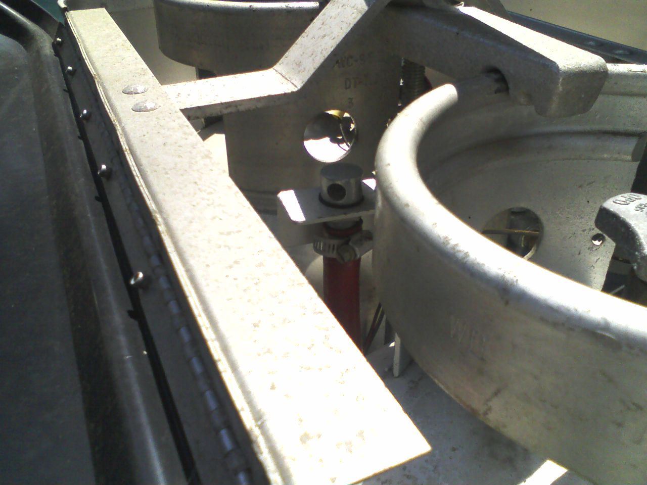 Click image for larger version  Name:Fuel Tank Vent Between LPG Tanks.jpg Views:116 Size:134.6 KB ID:111561