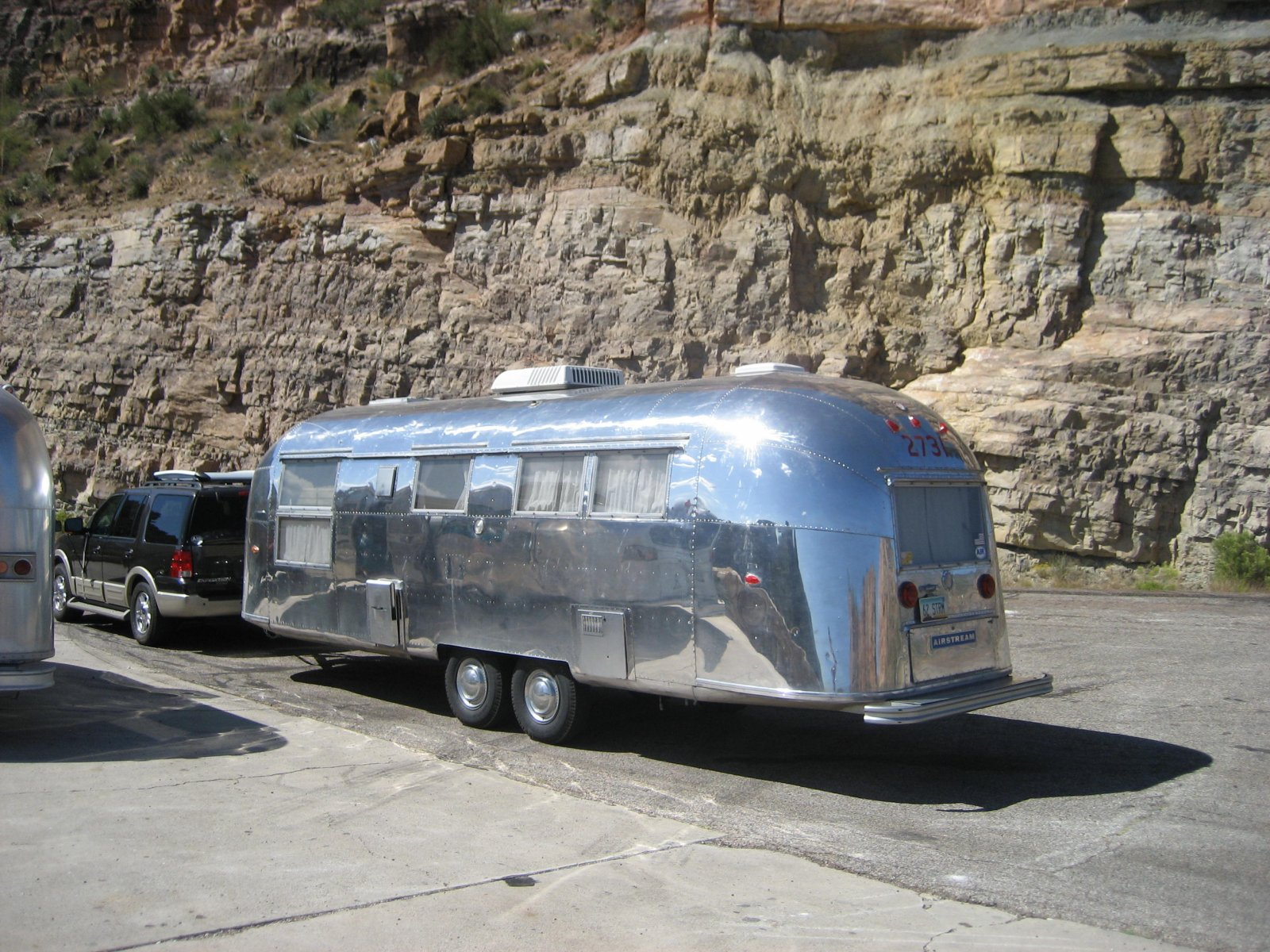 Click image for larger version  Name:Airstream Street Side.jpg Views:291 Size:422.8 KB ID:111605