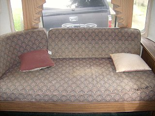 Click image for larger version  Name:couch.jpg Views:98 Size:412.0 KB ID:112019