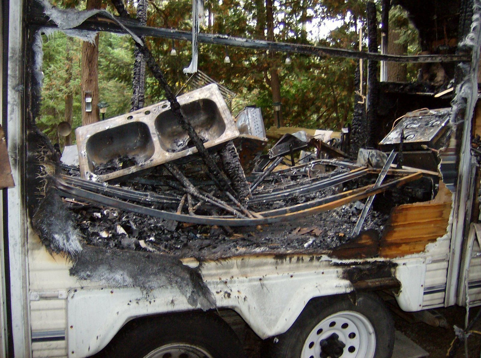 Click image for larger version  Name:Fire Damaged Trailer 010.jpg Views:97 Size:431.1 KB ID:112194